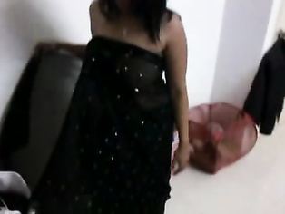 Shyna Bhabhi In Black Saree - Movies.