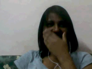 Indian girl caught naked on Skype chatting with her boyfriend.