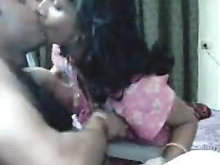 Newly married kanpur couple avinash and payal on webcam fucking, showing live to public.