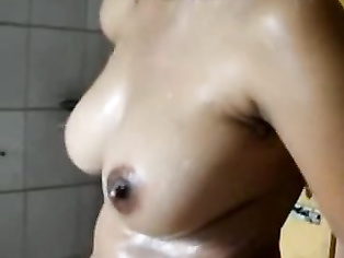 Kolkata GF In Shower - Movies. video2porn2