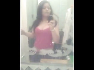 Paki Slut Bathroom Selfie - Movies. video2porn2