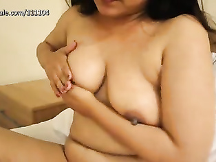 Desi Huge boobs masturbating