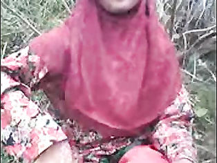 indian Bangla muslim Hijab sweet in forest