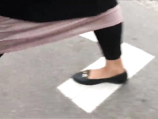 Shoe Fetish - Foot Following FAT Muslima
