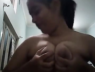 Buxomy Tamil loves to flash on webcam-1