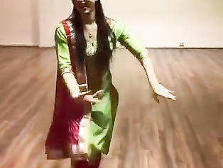 Clothed hot dance by beautiful pretty on hindi song