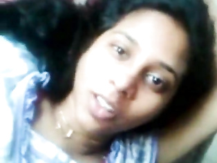 Tamil Beautiful Mallu hot girl beautiful talk with lover and showing cunt - Wowmoyback